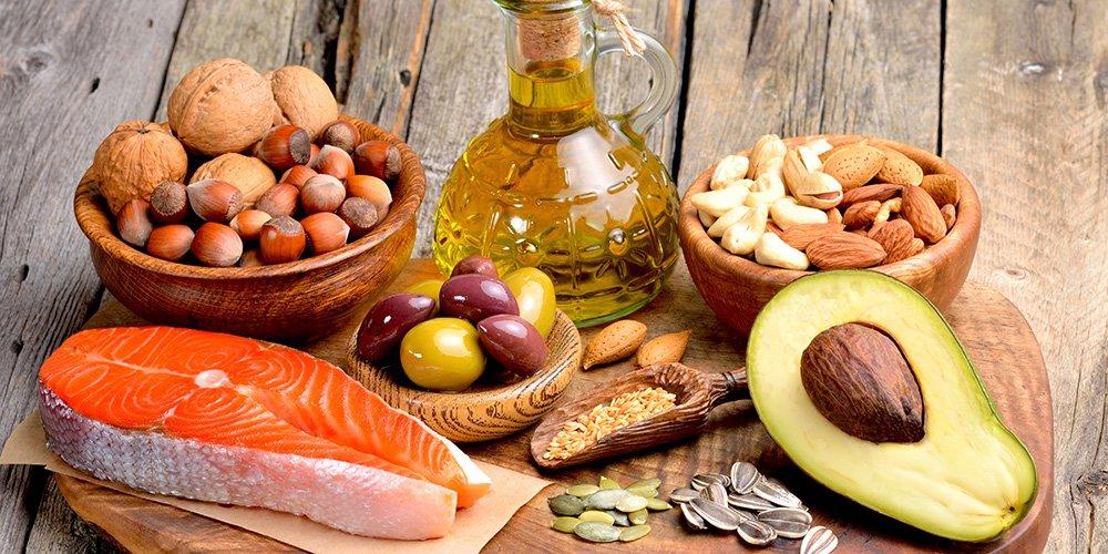 alimenti a basso contenuto di grassi saturi e colesterolo